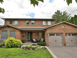 JUST SOLD OVER ASKING PRICE IN MISSISSAUGA!