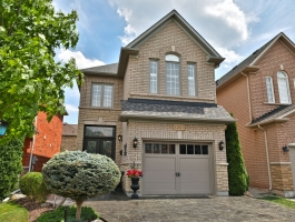 ***BEAUTIFULLY UPDATED EXECUTIVE IN WEST OAK TRAILS!!