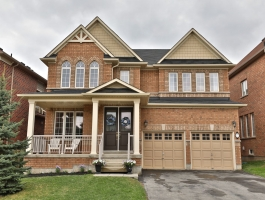 ***4 BEDROOM WITH WALK-OUT BASEMENT BACKING RAVINE IN WATERDOWN!!