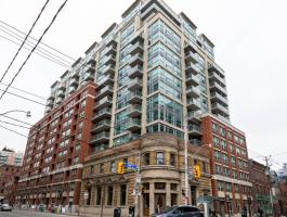 2 BEDROOM CONDO IN DOWNTOWN TORONTO!