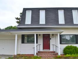 4 BEDROOM BACKING GREENSPACE FOR LEASE IN COLLEGE PARK!