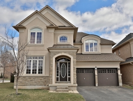 **FABULOUS 4 BEDROOM EXECUTIVE FOR LEASE IN BRONTE!